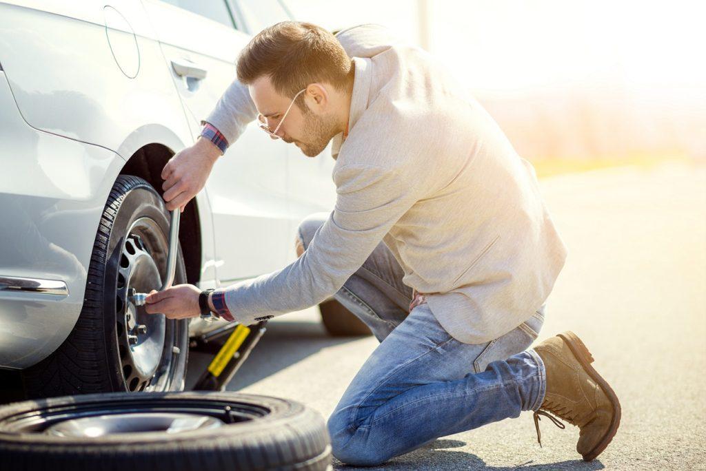 Les pneus Runflat évite de changer la roue au bord de la route
