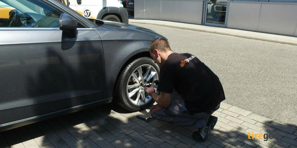 Faites monter vos pneus neufs par un professionnel chez vous ou au travail
