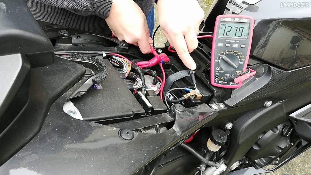 Vérifier charge moto
