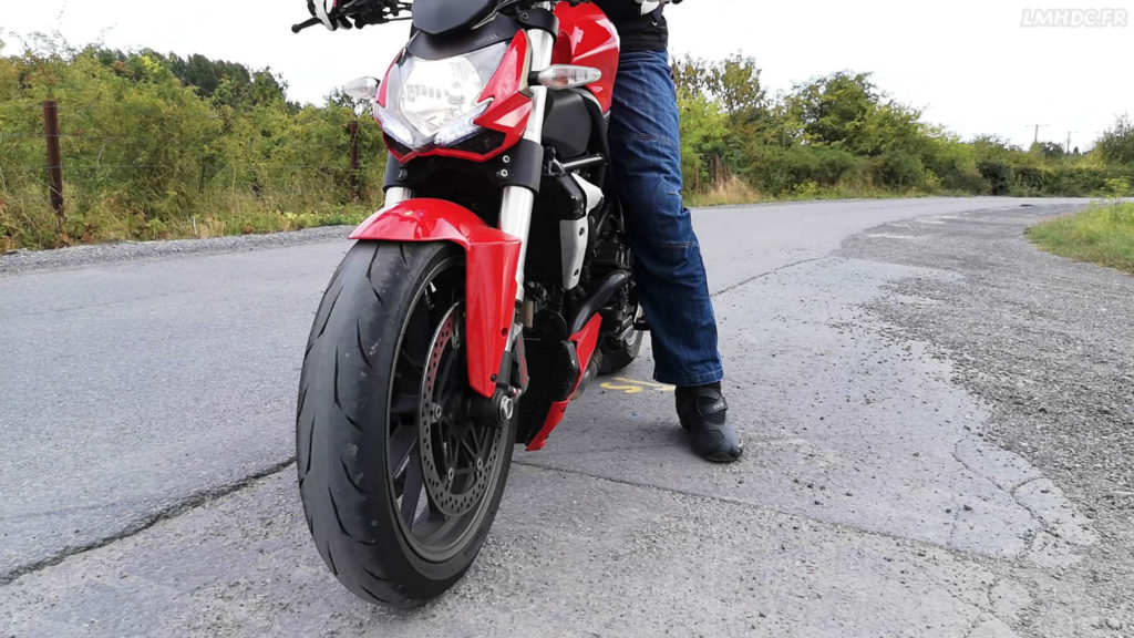 Essai Battlax RS10 sur Ducati