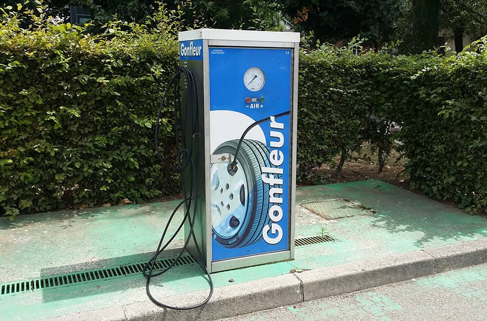 gonflage de pneu station service