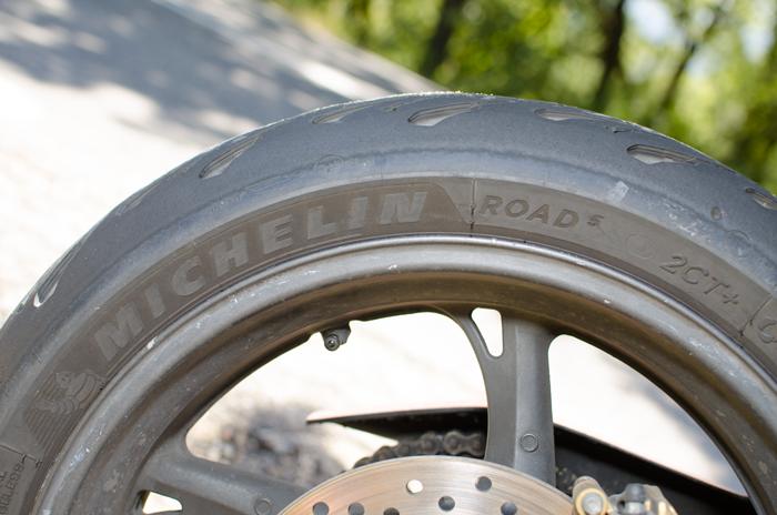 Caractéristiques pneu Road 5