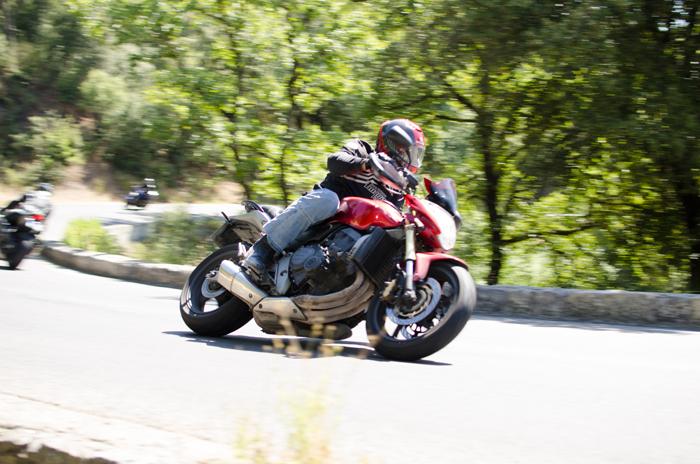 Test pneu moto Road 5